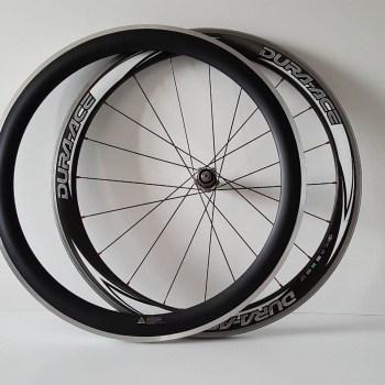 Ook vervangen van een carbon velg is mogelijk. Lever je oude wiel in om een nieuwe velg op te spaken.