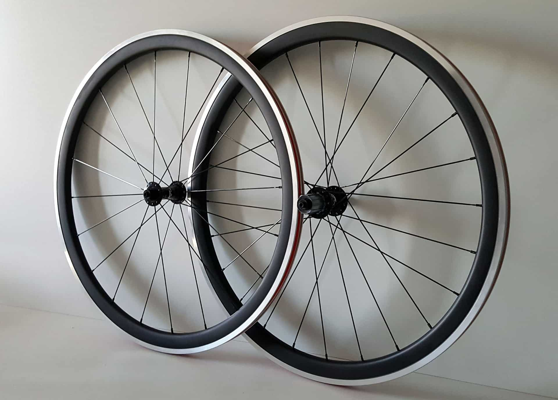 38mm carbon wielen met aluminium remrand en zonder logo
