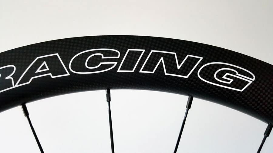 carbonracing wit logo
