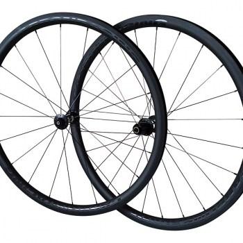 CR5-33 carbon wielen met DT 350 naven