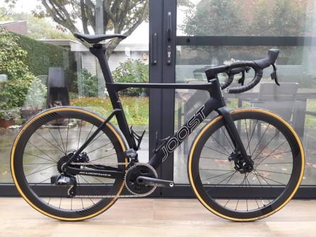 Joost fiets met 45mm velgen