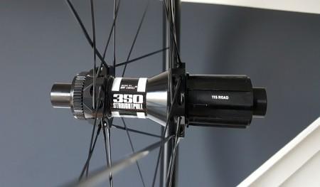 DT 350 achternaaf met rechte spaken en centerlock bevestiging voor remschijven